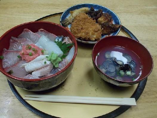 坂本鮮魚(海鮮丼フル).JPG