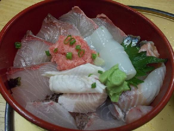 坂本鮮魚(海鮮丼).JPG