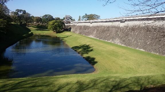 熊本城の堀.jpg